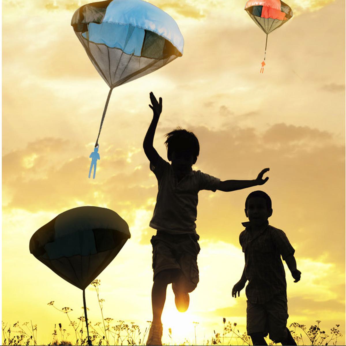 Дети запутать игрушки ручной бросать парашют кайт на открытом воздухе играть в игру игрушку