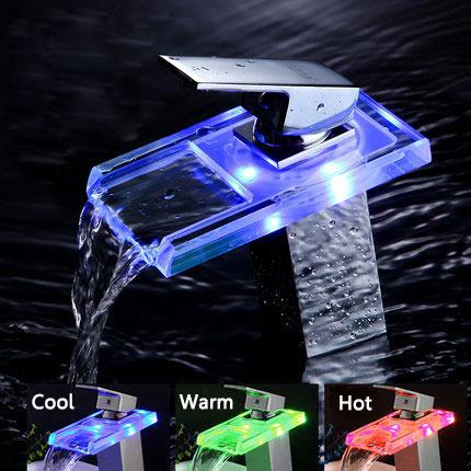 Ванная комната LED Водопад Смеситель для мойки Горячий холодный кран Смеситель температуры