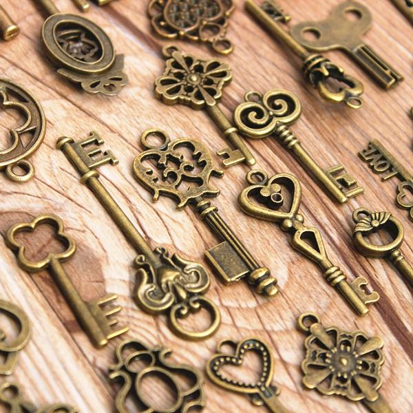 Vintage Bronze Key Pendants, Skeleton Heart Key Pendants