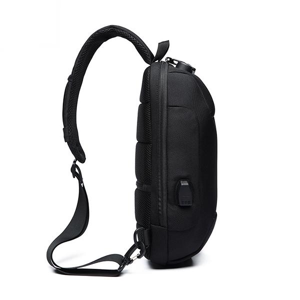 Men USB Anti-thfet Multifunctional Large Capacity Chest Bag 22