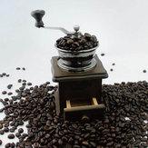 Rétro famille de broyeur de bois à la main de grains de café moulin à farine mini-
