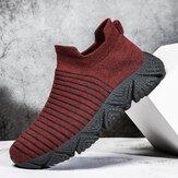Scarpe da corsa traspiranti indossabili da uomo in tessuto lavorato a maglia a righe