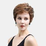 Gerçek Saç Lady Peruk Altın-kahverengi Karışık Renk Kısa Saç Rahat Bir Saç Kapak Giyiyor