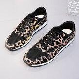 Zapatillas de deporte de leopardo informales transpirables cómodas de malla de empalme para mujer