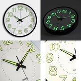 屋内/屋外緑色の暗室で12インチの12インチの光の壁時計グロー暗い沈黙の石英で