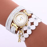 Fashion Crystal Circle Bracelet Women Watch Simple Dial Flowear Patterns Quartz Watch