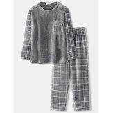 Męski flanelowy patchworkowy sweter w kratę Ciepłe, zagęszczone luźne spodnie Domowy wygodny zestaw piżamy
