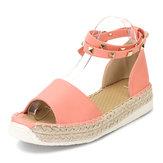 EUA Tamanho 5-12 Mulheres Verão Rivet Strappy Fivela Doce Plano Peep Toe Roman Sandálias Sapatos