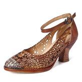 SOCOFY Retro Ajustable Hebilla Correa Hueco Patrón Zapatos Eleagant de Cuero en Relieve en Punta