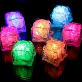 Batería Powered LED Ice Cube Colorful Luz intermitente líquida Sensor Decoración sumergible para barra Boda
