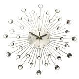 Horloge murale en fil métallique argenté Sunburst avec effet cristal strass clair de 33 cm