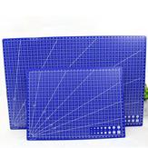 スケールDIYのパッドが付いている青いプラスチック手のパッドの単一の側面のA3 / A4まな板