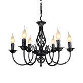 Schmiedeeisen-Kronleuchter im Vintage-Stil, der Kerzenlicht-Pendelleuchte hängt
