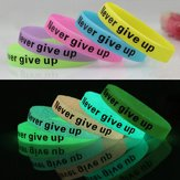 Multicolor Luminoso Never Give Up Silicone Bracciale da polso Unisex