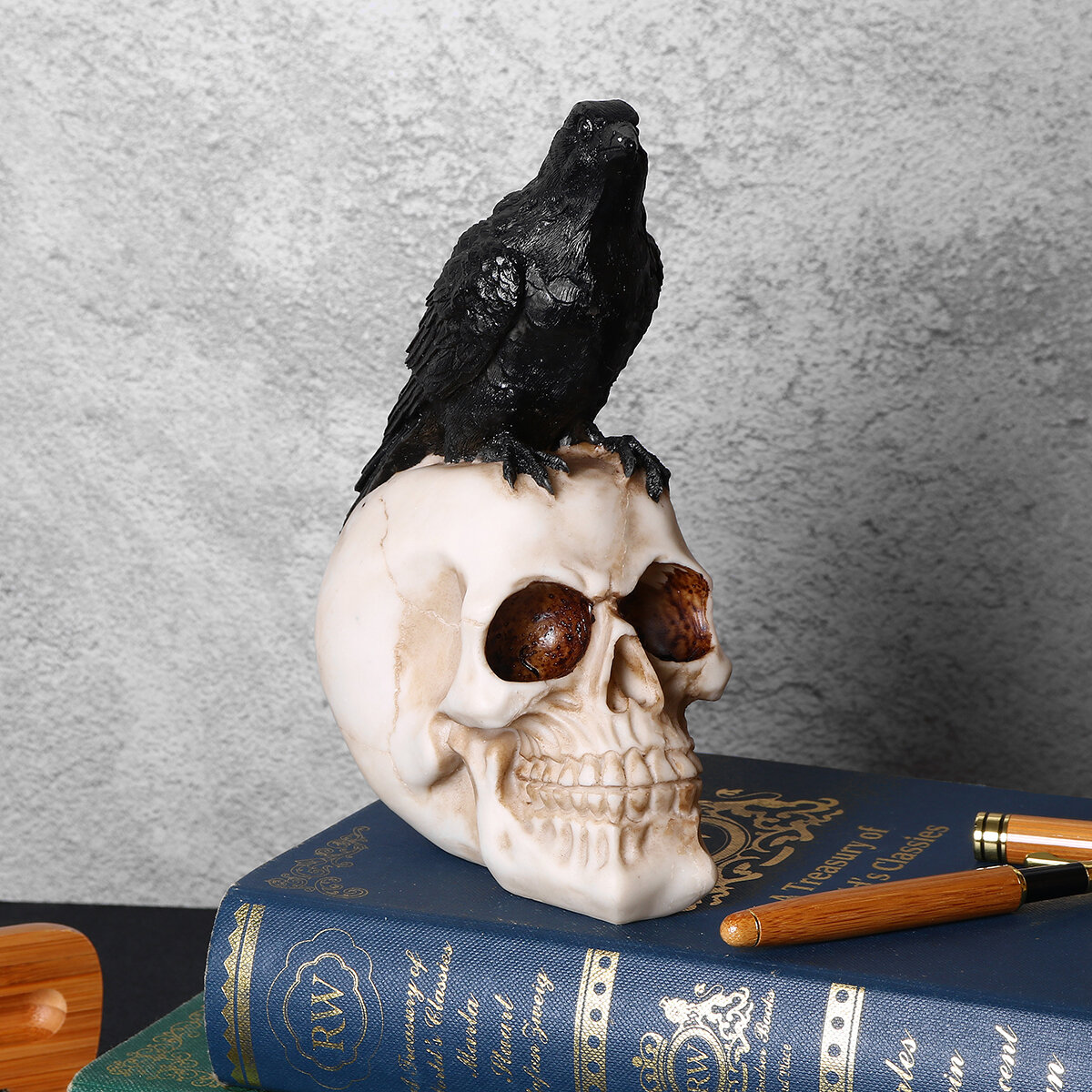Halloween Home Decor Crow Skull Statues Sculptures Resin Decorative Craft Crow Skeleton for Halloween Party Decor