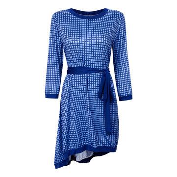 सुरुचिपूर्ण महिला डॉट मुद्रित ओ गर्दन तीन तिमाही आस्तीन अनियमित पोशाक