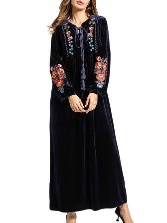 Çiçekli Nakış V-Boyun Dantel Üstü Kadın Velvet Maxi Elbise